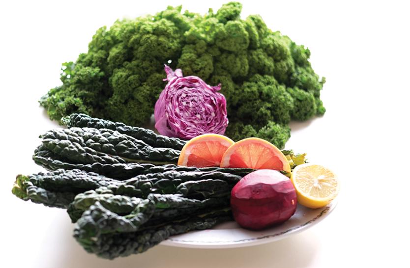 alkaline-kale-salad-pumpkin-bread-chia-herbs