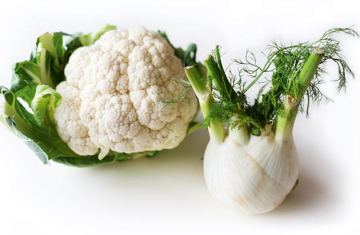 alkaline-cauliflower-turmeric-fennel-soup-beluga-lentils-tofu-mix-topping