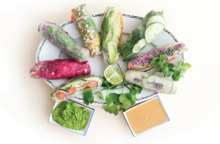 Fresh spring rolls & flavorful sauces